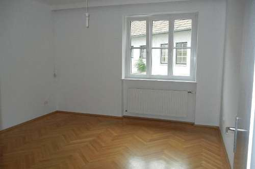 Helle 2-Zimmer Wohnung in ruhiger Zentrumslage