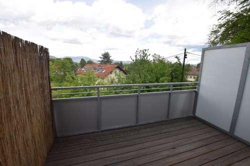 PROVISIONSFREI! Sehr schöne 1-Zimmer-Wohnung mit Balkon, Garagenplatz und großer Dachterrasse