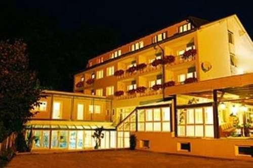 --- VERKAUFT --- Wörthersee-Hotel mit 50 Betten und neuem Hallenbad
