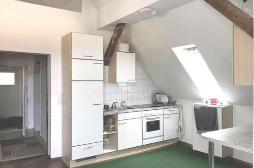 St.Veitnähe in Passering gelegen: Neu saniert 70 m² Dachgeschoss Wohnung