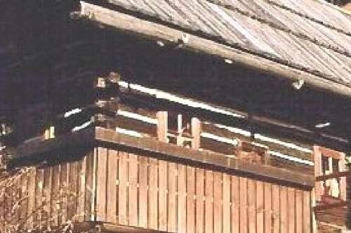 Kleiner, alter Bauernhof in ALLEINLAGE:
