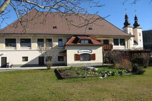 Kärnten, beim Gurk Dom: Gepflegtes Restaurant-Gasthof-Cafe + 3 Wohnungen 45, 90, 120 m²