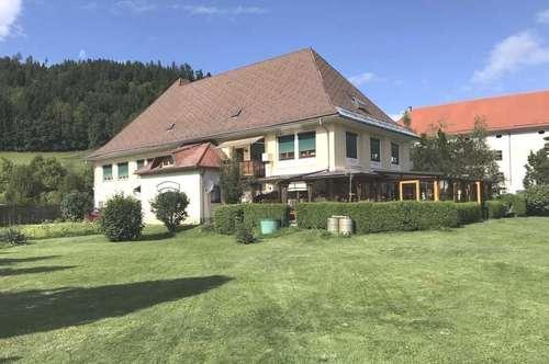 Beim Gurk Dom: Gepflegtes Restaurant-Gasthof-Cafe + 3 Wohnungen 45, 90, 120 m²