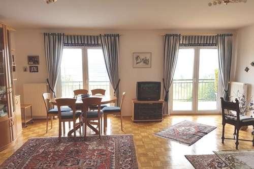 Traumblick über Feldkirchen, neuw. Terrassen- Wohnung in sonniger Ruhelage