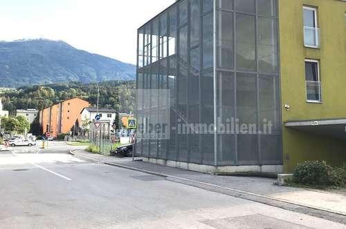 Tiefgaragenstellplatz Innsbruck nähe DEZ Einkaufszentrum, Garage über die Amraser See Straße leicht erreichbar