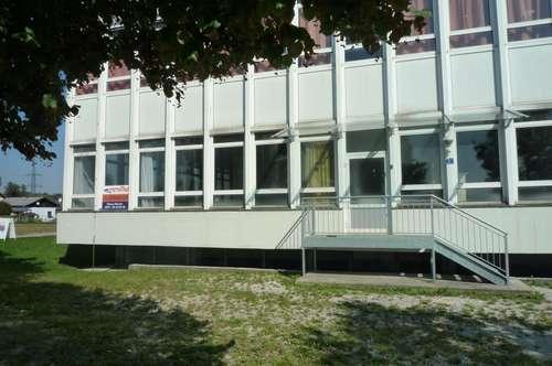 Büroflächen Nähe Schwanenstadt von 100 qm - 450 qm zu mieten!