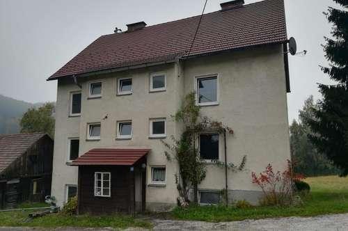 Renovierungsbedürftiges Mehrfamilienhaus am Ortsrand von Ottnang am Hausruck!