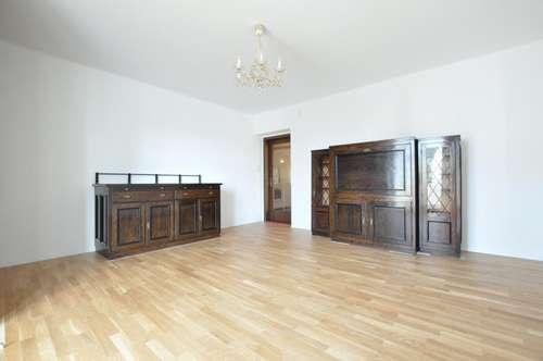 Starter-Wohnung für Pärchen mit extra Küche, Loggia und Lift zu vermieten!