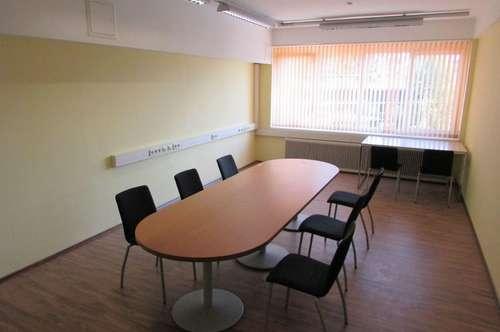 Attraktives Büro mit guter Infrastruktur und Parkmöglichkeiten