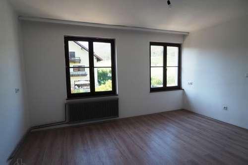 Preiswerte renovierte Mietwohnung in Laimbach inklusive Heizung und Strom