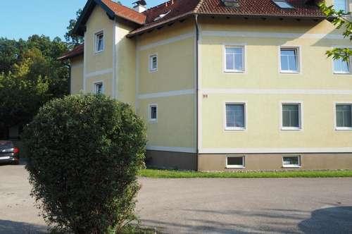 Kleine sofort bezugsbereite Mietwohnung in Petzenkirchen!