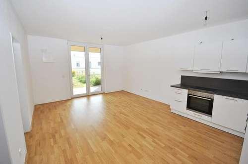 Neuwertige 4 Zimmer-Wohnung in Neulichtenberg mit sonniger Loggia und Eigengarten