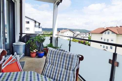 Großzügige 3-Zimmer-Eckwohnung mit Süd-Terrassenbalkon und Aussicht