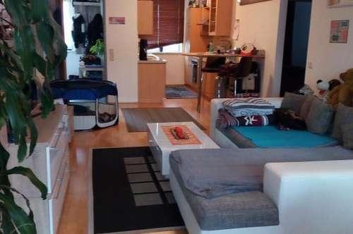 2-Zimmer-Erdgeschosswohnung mit großzügiger Terrasse zu vermieten