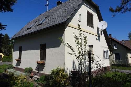 Sanierungsbedürftiges LIEBHABERHÄUSCHEN in Unterferlach
