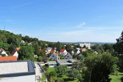 Barrierefrei: Terrassentraum mit Fernblick, Erstbezug, Garten und 2 PKW-Stellplätzen