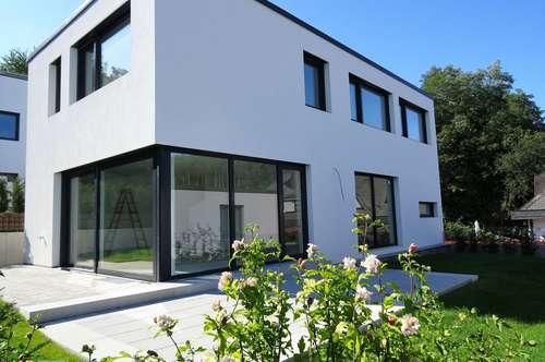 Urban Winehill Living: Sonniger Erstbezug mit Garten und Ausblick in Ruhelage