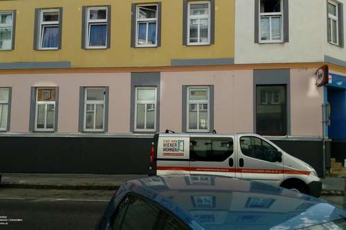 1120, zwei sanierungsbedürftige Wohnungen im Paket