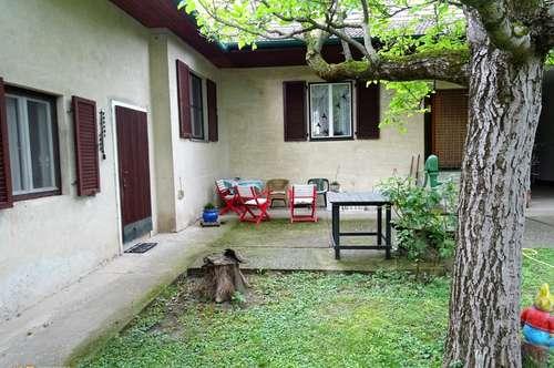 Altes Landhaus mit herrlichem Garten auf knapp 2000m² Eigengrund; 2ter Bauplatz optional