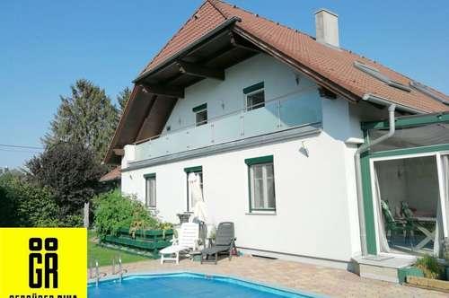 GROSSARTIGES 2-Familien HAUS (184 m²) mit GARAGE, POOL, BEHEIZTEM KELLER (113 m²) und GARTEN in Kapellerfeld