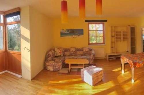 RUHIG GELEGENE TOP 3 Zimmer Wohnung in schöner Lage - am Fuße des Bisamberges - inkl. 2 KFZ Abstellplätze