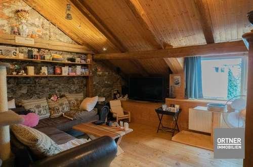 MIETE-Dachgeschoß-Wohnung