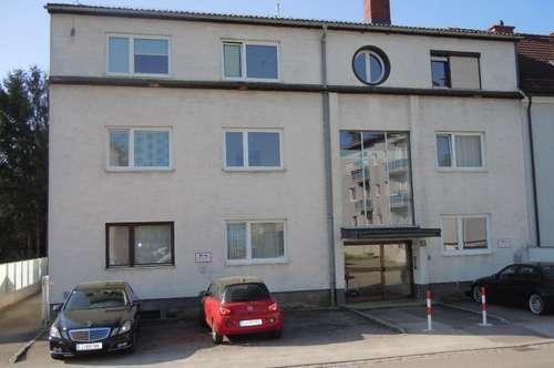 Erstbezug nach Sanierung - Nette 2-Zimmer-Wohnung mit Balkon