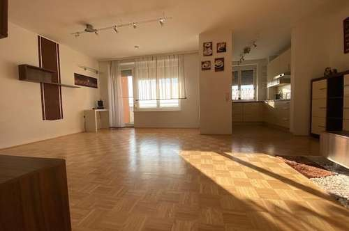 Sehr schöne 4-Zimmer-Wohnung mit Loggia/Balkon - verfügbar ab 01. Juni 2020!