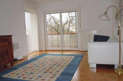 Familienwohnung mit 4-Zimmer, Balkon, Garten und TG-Platz