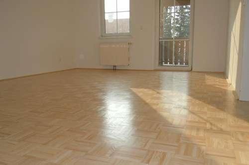 Kompakte 2,5-Zimmer-Wohnung mit Balkon & Garage