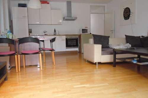 Helle 4-Zimmer-Wohnung mit Terrasse - absolut WG-tauglich - verfügbar ab 1. Mai 2019!