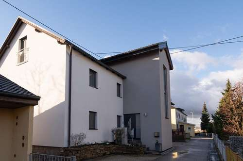 Ein- oder Mehrfamilienhaushälfte in ruhiger Siedlungslage  in Schwertberg (auch für Investoren)