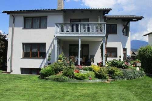Familienwohnsitz mit schönem Garten in ruhiger Lage im südlichen Stadtgebiet von Spittal/Drau!