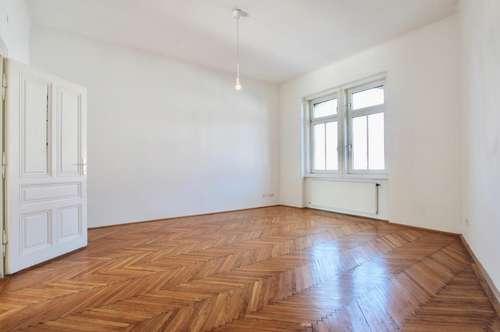 Heller, zentral begehbarer 2-Zimmer-Altbau mit separater Küche!