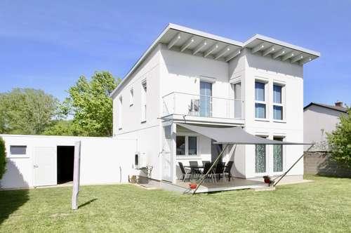 Neuwertiges Einfamilienhaus mit Pool in Gols