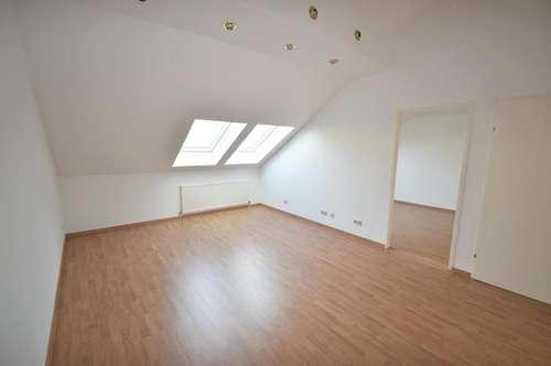 3 Zimmer DG-Wohntraum mit Dachterrasse! - unbefristet