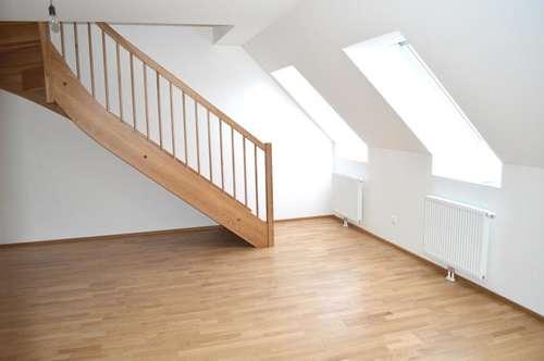 Traumhafte Dachgeschoßwohnung mit herrlicher Innenhofterrasse!