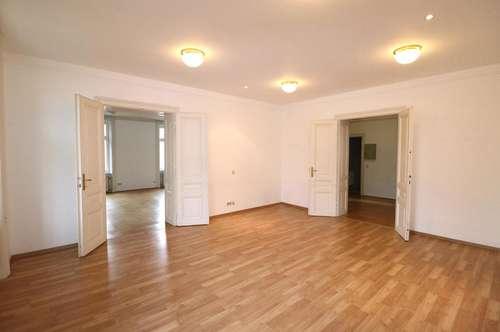 Gut ausgestattetes Büro in Jahrhundertwendevilla!