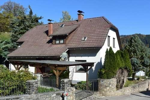 Wohnhaus in schöner Siedlungslage
