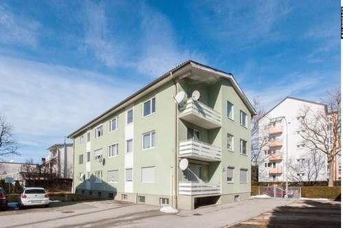 Modernisierungsbedürftige Zweizimmerwohnung mit Loggia