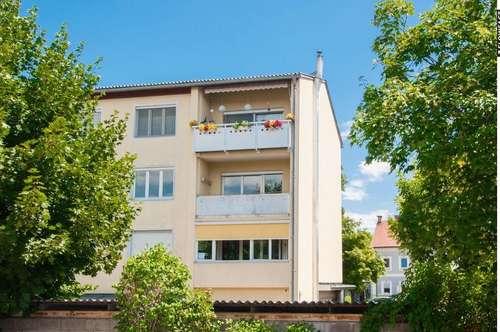 RESERVIERT !! Modernisierungsbedürftige Dreizimmerwohnung Nähe Steinerne Brücke