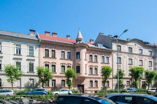 Sehr gepflegte Altbauwohnung in Innenstadt-Nähe
