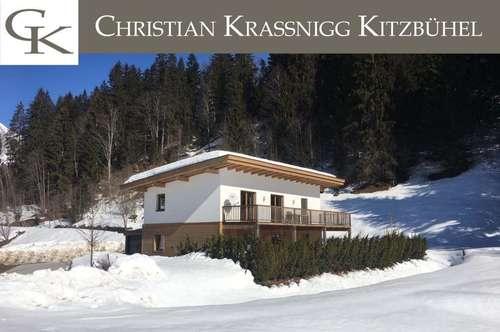 Modernes Landhaus mit zwei Wohnungen und unverbautem Grundstück zu verkaufen