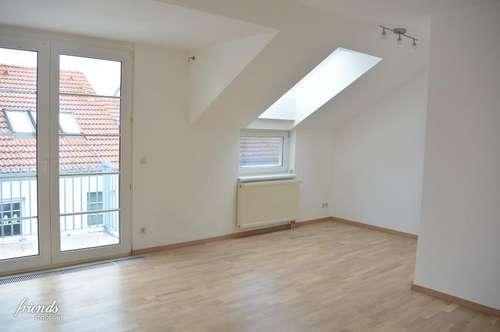 GUMPOLDSKIRCHEN - Charmante 2-Zimmer Dachgeschosswohnung