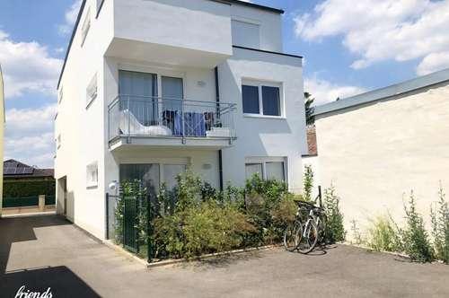 2-Zimmerwohnung mit Klimaanlage, Balkon & Parkplatz