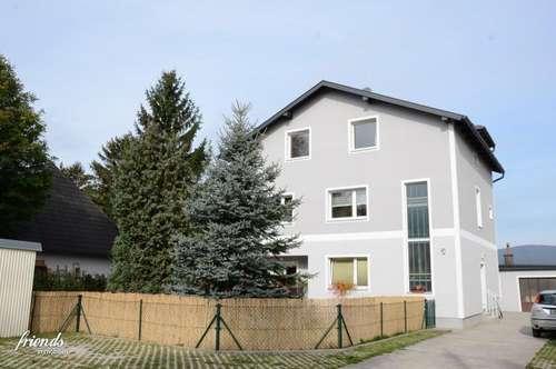 Dachgeschoßwohnung mit 200 m2 Garten