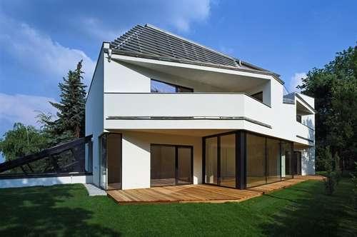 Moderne Zweifamilienvilla nahe den Weinbergen