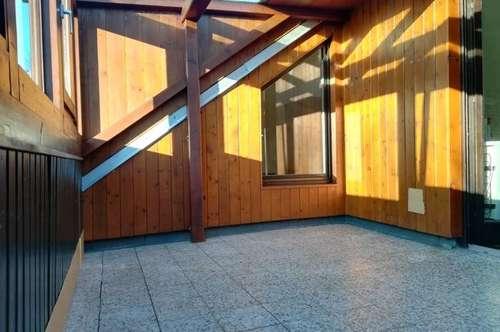 Gemütliche 2ZI+Wohnküche in Ruhelage mit 10m² Wintergarten und Parkplatz