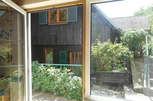 Holzhaus am Wald+Nebengebäude erhöhte Lage mit Ausblick  2Terrassen, 2Balkone, Garten,  Pool,3PP