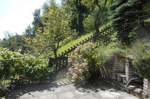 Holzhaus am Wald + Nebengebäude erhöhte Lage mit Ausblick 2Terrassen, 2Balkone, Garten, Pool,3PP